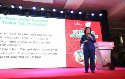Chương trình có sự tham gia của nhiều diễn giả khách mời như bà Phạm Khánh Phong Lan, Trưởng ban Quản lý An toàn thực phẩm TP HCM, bà Vũ Kim Hạnh  Chủ tịch Hội doanh nghiệp Hàng Việt Nam chất lượng cao, đại diện của Hội liên hiệp phụ nữ, Sở Công thương và Trung tâm dinh dưỡng TP HCM.