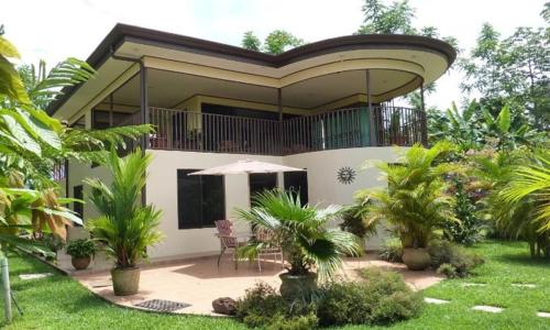 Nhiều gia chủ chỉ nhận ra sự bất tiện sau khi đã chuyển về biệt thự ngoại thành sống. Ảnh: costa-rica-immo