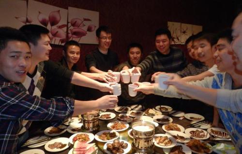 Sau đêmtiệc độc thân,tất cả người bạn rời đi mà không dự đám cưới của Li. Ảnh minh hoạ: Kknews.