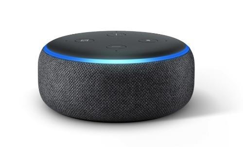 Loa thông minh Echo Dot Gen 3: Đây là loa thông minh điều khiển bằng giọng nói được bán chạy nhất trên Amazon. Thông qua qua ứng dụng Amazon Alexa, loa có thể kết nối với các loa khác, chơi nhạc; điều khiển đèn, quạt, tivi công tắc điều hòa; gọi điện; gửi tin nhắn; đọc tin tức; tra thời tiết...Loa có thể chơi nhạc từ nhiều nguồn: Amazon Music, Spotify, Pandora, iHeartRadio và TuneIn. Sản phẩm đang được giảm 40%, giá trọn gói về Việt Nam chỉ còn khoảng một triệu đồng.