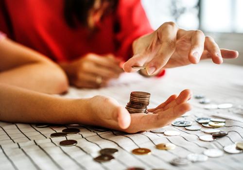Liệt kê danh sách chi tiêu chi tiết giúp quản lý sát sao tài chính gia đình. Nguồn: