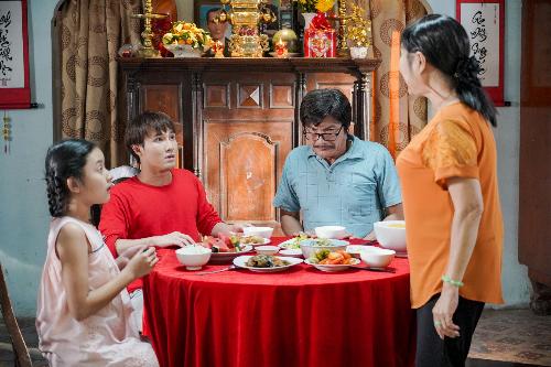 Ba cha con Huỳnh Lập căng như dây đàn vì mẹ Lập muốn một cái Tết khác với mọi năm