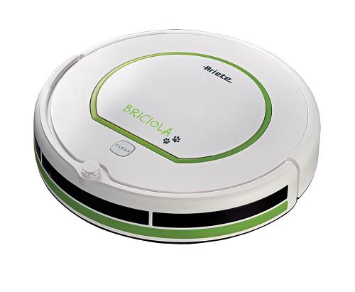 Hút bụi Robot Ariete MOD. 2711 có thể tích gọn nhẹ, chỉ 0,5 lít, di chuyển theo vòng tròn hoặc zig zig giúp dọn sạch từng chân tường nhà bạn. Ngoài ra, bạn có thể cài đặt chế độ dọn dẹp tự động hoặc điều khiển từ xa qua màn hình LCD. Máy tự trở về ổ sạc khi hết điện.