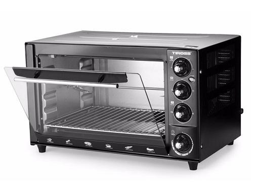 Một gợi ý khác trong danh sách các sản phẩm nhà bếp đa năng là chiếc lò nướng đối lưu Tiross TS961 - 35L. Sản phẩm phù hợp với nhiều món ăn khác nhau nhưquay, nướng, hâm nóng, rã đông, làm bánh một cách nhanh chóng và dễ dàng. Lò sử dụng vi mạch điều chỉnh nhiệt tự động giúp tiết kiệm điện, bộ phận phát nhiệt bằng thép bền bỉ. Với công suất 1.600W, dung tích lớn 35 lít cho phép nướng nhiều thực phẩm cùng một lúc hay thức ăn có thể tích lớn.