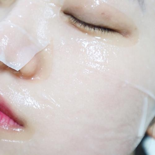 Mặt nạ có bổ sung tinh chất ampoule giúp da khỏe đẹp từ bên trong là biện pháp làm đẹp được chị em ưa chuộng.