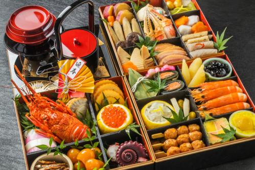 Bữa ăn osechi ngày đầu năm là một trong những phong tục Tết lâu đời ởNhật. Ảnh: Chintai.net.