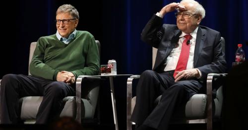 Bill Gates nói rằng ông đã học được cách đo lường thành công của Warren Buffett và áp dụng vào cuộc sống của mình. Ảnh: CNBC.