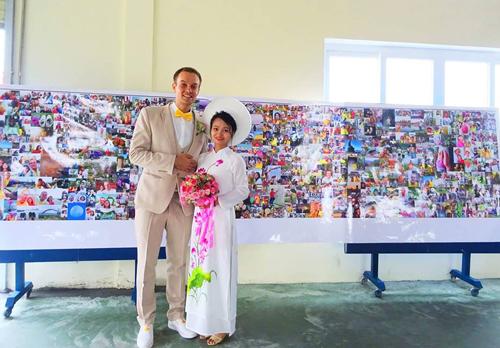 Chàng trai đi vòng quanh thế giới đã kết hôn với cô gái Việt vào tháng 10 vừa qua. Ảnh: NVCC.
