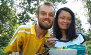 Chàng trai đi bộ vòng quanh thế giới tìm được vợ ở Việt Nam