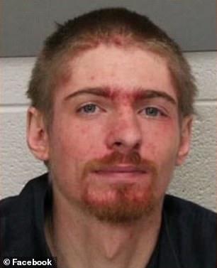 Nuckols, người đàn ông ngồi xe lăn đã trộm nhà, khi chủ đi vắng. Ảnh: Foxnews.