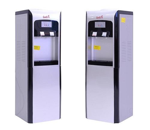 Không chỉ phù hợp với không gian văn phòng, các cây nước nóng lạnh còn trở nên phổ biến cho các gia đình hiện nay. Không cần mất thời gian và diện tích cho nhiều sản phẩm như tủ lạnh, ấm đun nước... nhu cầu làm lạnh hoặc đun nóng nước vẫn có thể được đáp ứng. Với thiết kế gọn gàng, sản phẩm có thể lắp đặt và sử dụng đơn giản, thân thiện với người lớn tuổi.