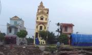 Ngôi nhà 5 tầng ở Hà Nam vừa xây xong đã nghiêng mạnh