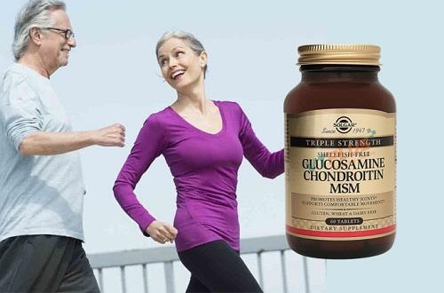 Viên uống hỗ trợ xương khớp Triple Strength ShellFish-Free Glucosamine Chondroitin MSM: giá 2,24 triệu đồng một hộp. Người lớn uống 2 viên một lần sau bữa ăn trong ngày giúp hỗ trợ bôi trơn xương khớp, giảm thoái hóa khớp.