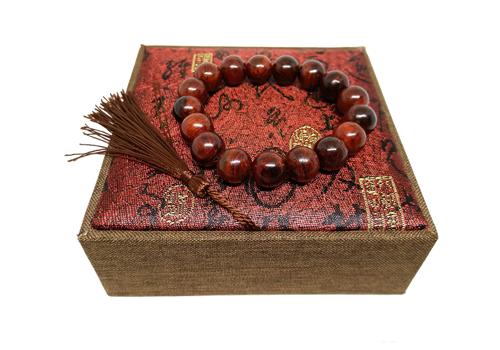 Vòng tay gỗ sưa đỏ 12 ly 17 hạt: