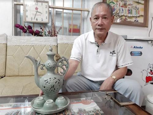 Ông Cảnh vẫn giữ nguyên bộ ấm chén được Chủ tịch Kim Nhật Thành tặng,dấu ấn về những nỗ lực không mệt mỏi của ông để lấy được người vợ Triều Tiên.