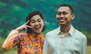 Cô dâu Sài Gòn trang trí đám cưới bằng lá chuối, hoa dại