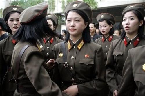 Phụ nữ Triều Tiên ngày nay đi nghĩa vụ quân sự 7 năm, trong khi nam giới 10 năm. Ảnh:Ilbe.