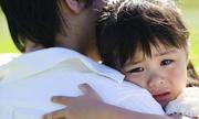 Tại sao con trai lớn cần rời mẹ nhưng con gái không cần rời cha
