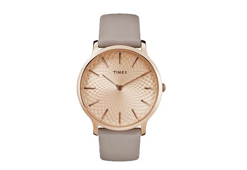 Từ giá gốc 2,8 triệu đồng,Timex Metropolitan được bán với giá 1,4 triệu đồng trong duy nhất ngày 28/2. Thiết kế dây da màu xám nhạt, sản xuất tại Trung Quốc.