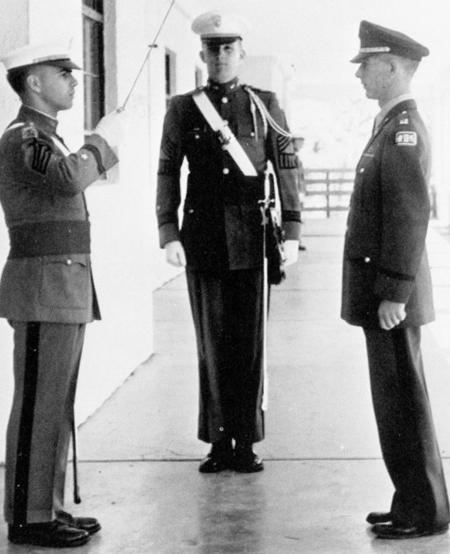 Donald Trump tạiHọc viện Quân sự New York năm1964.