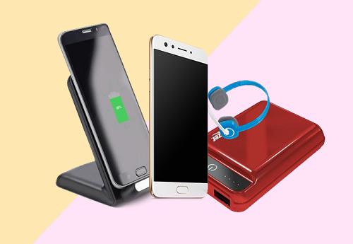 Đồ công nghệ là gợi ý cuối cùng trong danh sách này. Một chiếc điện thoại mới giúp nàng lên đời dế yêu, thiết bị sạc dự phòng cho những bạn gái thường xuyên công tác xa hoặc tai nghe sành điệu với các cô yêu âm nhạc... sẽ giúp chàng ghi điểm đáng kể trong ngày này.