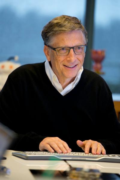 Bill Gates nói rằng không phải lo chuyện cơm áo khiến ông hạnh phúc hơn. Ảnh: Gatesnotes