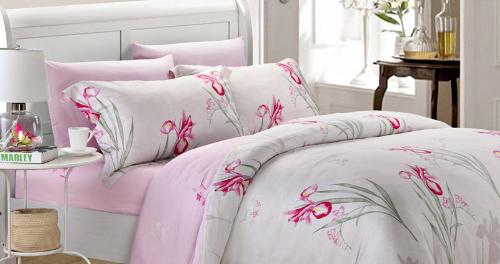 Bộ drap Kymdan Lavish làm từ 100% tencel với mật độ 310 sợi/inch2, họa tiết hoa lá cành sống động.