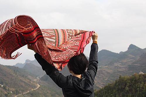 Chỉ sau 3 năm tiết kiệm đồng lương nhà nước, chị Minh Nguyệt, Bắc Giang đã không còn nỗi lo về tiền nữa. Ảnh: NVCC.