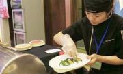 Cô bé 4 năm đi bụi thành bếp phó chuỗi nhà hàng Pháp