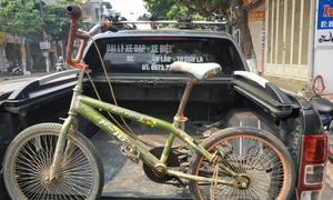 Chiếc xe đạp không phanh của cậu bé Sơn La được đem đấu giá