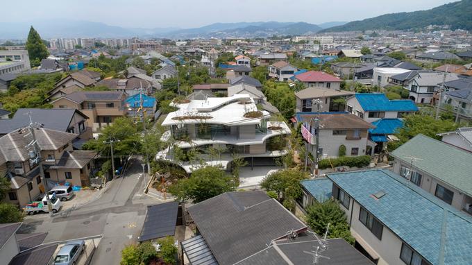 Ngôi nhà Nhật muốn tìm chỗ kín đáo cũng khó
