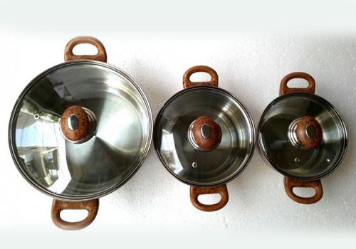 Bộ nồi inox Sky Star quai gỗ xuất khẩu 16-20-24cm giảm chỉ còn 299.000 đồng (so với giá gốc 699.000 đồng). Bộ nồi gồm 3 chiếc dùng được trên mọi loại bếp, thích hợp cho gia đình sử dụng từ 2-4 người và thích hợp đun nấu, hầm, kho xào.