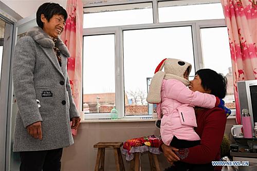 Khi có con, một số thành viên trong gia đình muốn giúp đỡ đôi vợ chồng, song họ từ chối. Họ muốn làm gương cho con gái tự đứng trên đôi chân của mình. Hiện tại vợ chồng Liu có kinh tế ổn, cuộc sống hạnh phúc khiến bao người ghen tỵ.