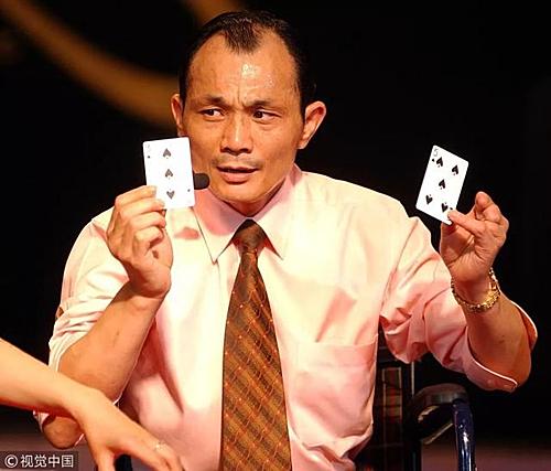 Jianyun từng trở thành vua cờ bạc nhờ những mánh khoé. Giờ đây cũng chính ông đi lật tẩy các chiêu gian lận đó. Ảnh: Wenxuecity.