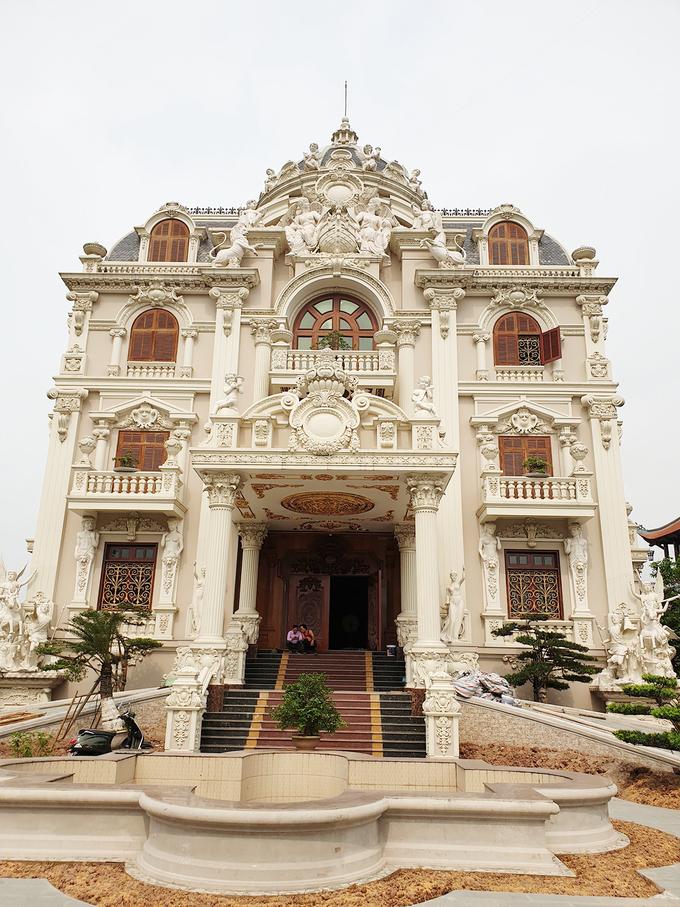 9 năm xây lâu đài phong cách Hy Lạp của đại gia Nam Định