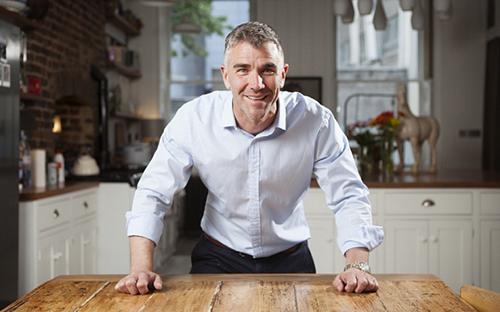 Triệu phú Ivan Massow còn là người có tiếng nói chính trị, bảo vệ quyền đồng giới. Ảnh: The Guardian.