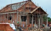 Có nên chậm trả ngân hàng để dùng tiền xây nhà?