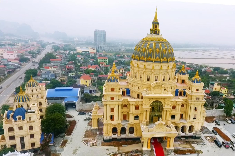 Lâu đài nghìn tỷ đồng của đại gia Ninh Bình