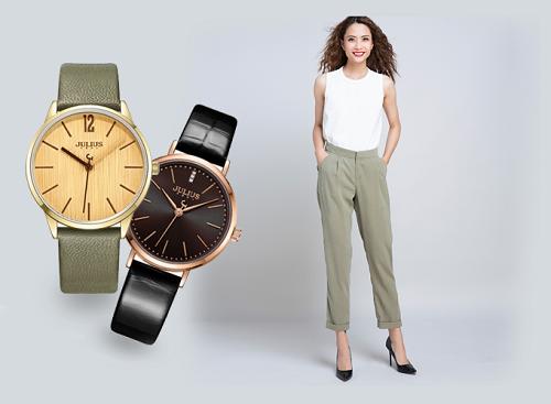 [Caption]Bạn có thể phối đồng hồ nữ Julius dây da màu xanh rêu hoặc màu đen cùng quần baggy lưng thun xanh forest và áo thun không tay cá tính.