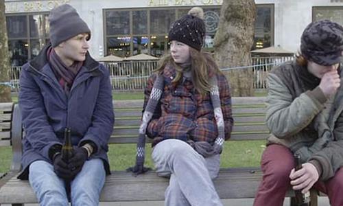 Bobby gặp đôi vợ chồng trẻ vô gia cư và nhận ra nhiều điều. Ảnh: Rich Kids Go Homless