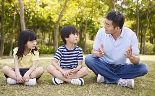 Đàn ông sinh ra đã gánh trên vai trách nhiệm trụ cột gia đình. Ảnh: Shutterstock