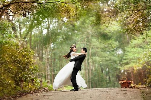 Yêu thương, tôn trọng nhau như những ngày hẹn hò là cách giúp hôn nhân luôn nhạnh phúc.