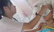 Nữ sinh 17 tuổi bỏ thi đại học để hiến tủy cứu mẹ