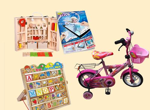 Xe đạp ba bánh, bộ đồ chơi định nghề nghiệp, bảng chữ cái bằng gỗ hay sách tô màu theo chủ đề bé yêu thích là món quà phù hợp cho bé trong giai đoạn 3-5 tuổi.