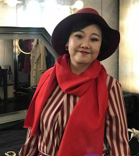 Bà Li sau khi phẫu thuật thẩm mỹ, làm căng da mặt. Ảnh:  Zi Niu News.