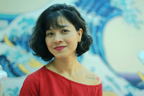 Chị Hạnh 41 tuổinghỉ công việc tốt đầu năm 2018 để tạo lập sự nghiệp riêng. Ảnh: Phan Dương.