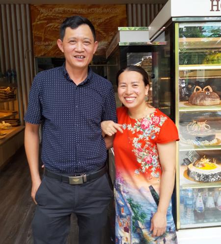 Hai đứa trẻ bán báo Xa mẹ thành chủ tiệm bánh Hà Nội