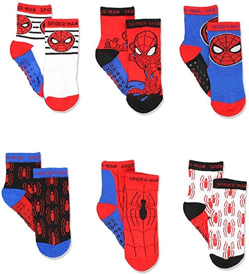 Combo 6 đôi tất: Tất cũng là một trong những items không thể thiếu giúp bé hóa thân hoàn hảo thành các siêu anh hùng. Những đôi tất của thương hiệu Marvel không chỉ có màu sắc bắt mắt màcòn rất thông thoáng, dễ chịu.Combocó giá 740.000 đồng.