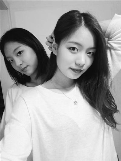 Hai con gái của Li. Ảnh: Sohu.