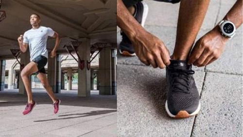 Giày chạy Arishi v1 Fresh Foam giảm 43%, giá 3,11 triệu đồng, còn 1,77 triệu đồng. Sản phẩm có lớp đệm bên trong, giúp êm chân, lớp lưới thiết kế bên ngoài giúp thoáng khí, tạo cảm giác thoải mái.